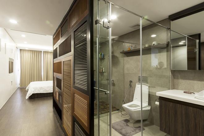 thiết kế nhà tắm nhỏ đẹp trong phòng ngủ