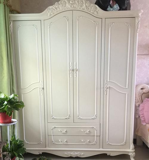 thiết kế tủ quần áo truyền thống