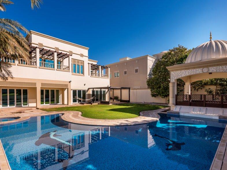 những ngôi nhà đẹp nhất thế giới khu biệt thự R