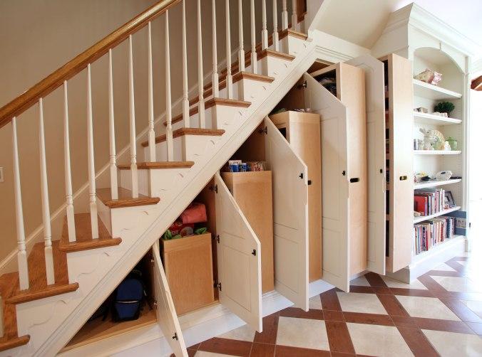 mẫu tủ quần áo giày dép dưới gầm cầu thang