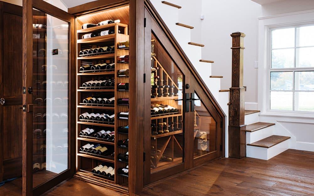 tủ rượu dưới gầm cầu thang hiện đại