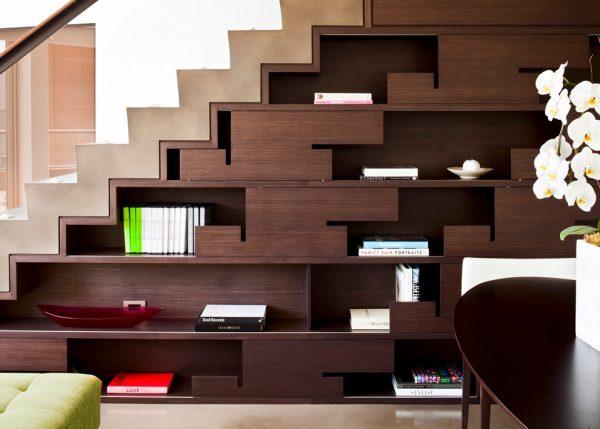 mẫu tủ sách dưới gầm cầu thang hiện đại